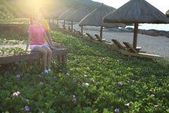 Διακοπές sanya ζευγών θαλασσίως Στοκ φωτογραφία με δικαίωμα ελεύθερης χρήσης