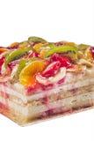 διακοσμημένες φράουλες σμέουρων καρπού επιδορπίων κέικ βατόμουρων Στοκ εικόνα με δικαίωμα ελεύθερης χρήσης