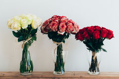 διακοσμητικά τριαντάφυλλα απεικόνισης ανθοδεσμών συνόρων Στοκ Φωτογραφίες