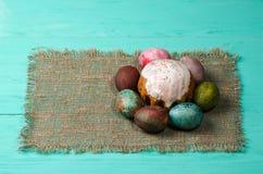 διακοσμητική παράδοση Πάσχας κέικ ψωμιού Αυγά Πάσχας Στοκ φωτογραφία με δικαίωμα ελεύθερης χρήσης