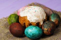 διακοσμητική παράδοση Πάσχας κέικ ψωμιού Αυγά Πάσχας Στοκ εικόνα με δικαίωμα ελεύθερης χρήσης