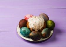 διακοσμητική παράδοση Πάσχας κέικ ψωμιού Αυγά Πάσχας Στοκ εικόνες με δικαίωμα ελεύθερης χρήσης