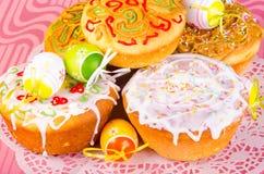 διακοσμητική παράδοση Πάσχας κέικ ψωμιού Στοκ Φωτογραφίες
