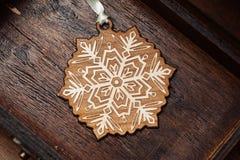 διακοσμητικό snowflake Διακόσμηση για το χριστουγεννιάτικο δέντρο Στοκ εικόνα με δικαίωμα ελεύθερης χρήσης