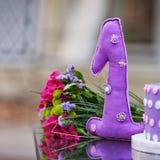 διακόσμηση γενεθλίων ε&upsilo ένα έτος Διακοσμητικό υφαντικό σχήμα ο Στοκ εικόνες με δικαίωμα ελεύθερης χρήσης