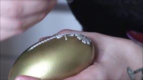 διακόσμηση του αυγού Πάσ&ch απόθεμα βίντεο