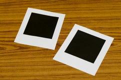 διαμορφωμένη φωτογραφία τρυπών πλαισίων ανασκόπησης όμορφη μαύρη kpugloe Στοκ Εικόνες