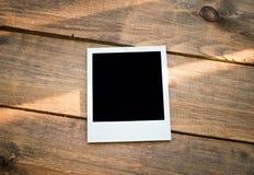 διαμορφωμένη φωτογραφία τρυπών πλαισίων ανασκόπησης όμορφη μαύρη kpugloe στοκ φωτογραφία με δικαίωμα ελεύθερης χρήσης