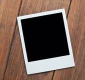 διαμορφωμένη φωτογραφία τρυπών πλαισίων ανασκόπησης όμορφη μαύρη kpugloe Στοκ φωτογραφίες με δικαίωμα ελεύθερης χρήσης