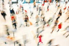 λιανικές αγορές ανθρώπων &lam Στοκ φωτογραφία με δικαίωμα ελεύθερης χρήσης