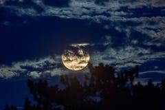 31 Ιανουαρίου 2018 έξοχο φεγγάρι Στοκ Φωτογραφίες