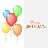 Διανυσματική κάρτα γενεθλίων με τα μπαλόνια χρώματος Στοκ Εικόνες