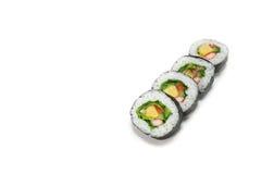 Ιαπωνικά σούσια ρόλων σαλάτας στο λευκό Στοκ Εικόνες