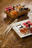 ιαπωνικά σούσια τροφίμων π&alp Στοκ εικόνα με δικαίωμα ελεύθερης χρήσης
