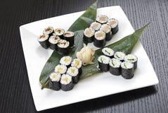 ιαπωνικά σούσια τροφίμων π&alp Στοκ φωτογραφίες με δικαίωμα ελεύθερης χρήσης