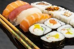 Ιαπωνικά τρόφιμα γεύματος σουσιών στοκ εικόνα