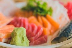 Ιαπωνικά τρόφιμα φρέσκα θαλασσινά ψαριών μιγμάτων της Ιαπωνίας Στοκ Φωτογραφία