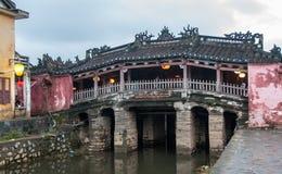 Ιαπωνική καλυμμένη γέφυρα στο Hoi στοκ εικόνες