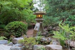 ιαπωνική πέτρα φαναριών κολ Στοκ φωτογραφία με δικαίωμα ελεύθερης χρήσης