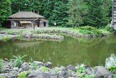 ιαπωνική παλαιά λίμνη σπιτιώ& Στοκ εικόνες με δικαίωμα ελεύθερης χρήσης