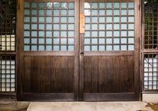 Ιαπωνική πόρτα σπιτιών Στοκ φωτογραφία με δικαίωμα ελεύθερης χρήσης