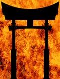 Ιαπωνική πύλη της Tori πέρα από μια κόλαση καύσης διανυσματική απεικόνιση