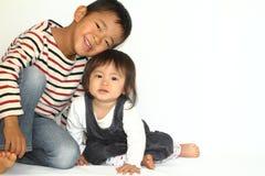 Ιαπωνικοί αδελφός και αδελφή Στοκ εικόνες με δικαίωμα ελεύθερης χρήσης