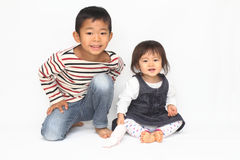 Ιαπωνικοί αδελφός και αδελφή Στοκ φωτογραφία με δικαίωμα ελεύθερης χρήσης