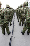 Ιαπωνικοί οπλισμένοι στρατιώτες με το όπλο Στοκ Φωτογραφίες
