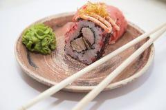 Ιαπωνικοί παραδοσιακοί ρόλοι και σούσια τροφίμων Στοκ εικόνες με δικαίωμα ελεύθερης χρήσης