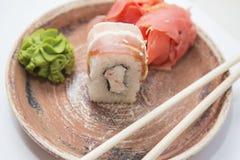 Ιαπωνικοί παραδοσιακοί ρόλοι και σούσια τροφίμων Στοκ φωτογραφία με δικαίωμα ελεύθερης χρήσης