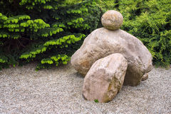 Ιαπωνικός κήπος πετρών της Zen Πράσινο πάρκο τοπίων με τις πέτρες στο ασιατικό ύφος Στοκ φωτογραφίες με δικαίωμα ελεύθερης χρήσης