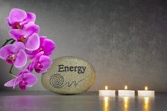 Ιαπωνικός κήπος της ZEN με την πέτρα της ενέργειας Στοκ Φωτογραφίες