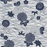 Ιαπωνικός μπλε άσπρος ανεμιστήρας, ίριδα και bellflower patternJapanese σχέδιο λουλουδιών χλόης φύλλων σφενδάμου mums Στοκ Εικόνα