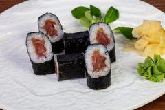 Ιαπωνικός παραδοσιακός κρύος τόνος ρόλων maki Στοκ φωτογραφία με δικαίωμα ελεύθερης χρήσης