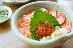 Ιαπωνικός sashimi τροφίμων σολομός, σολομός σουσιών, σολομός γόνου Στοκ εικόνα με δικαίωμα ελεύθερης χρήσης