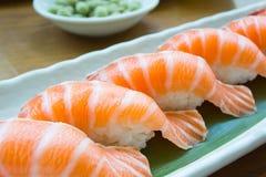 Ιαπωνικός sashimi τροφίμων σολομός, σολομός σουσιών, σολομός γόνου Στοκ Εικόνα