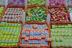 Ιαπωνικό επιδόρπιο κέικ ρυζιού κατά την οριζόντια άποψη Στοκ Εικόνα