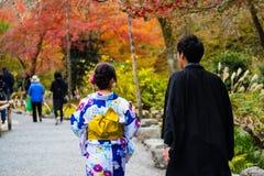 Ιαπωνικό ζεύγος στο tenryu-ji, Arashiyama Στοκ Εικόνα