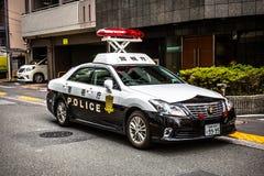 Ιαπωνικό περιπολικό της Αστυνομίας στην οδό της περιοχής Ikebukuro του Τόκιο στοκ φωτογραφίες