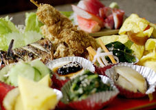 Ιαπωνικό σύνολο τροφίμων που απομονώνεται στοκ εικόνες