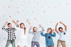 διασκέδαση που έχει τα κατσίκια Στοκ Φωτογραφίες