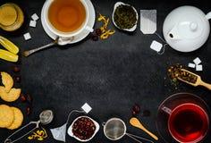 Διαστημικό πλαίσιο αντιγράφων με το τσάι και τα συστατικά Στοκ φωτογραφίες με δικαίωμα ελεύθερης χρήσης