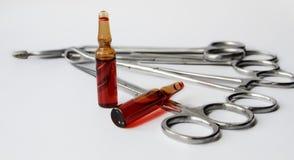 ιατρικά όργανα μετάλλων νοσοκομείων γιατρών Στοκ εικόνα με δικαίωμα ελεύθερης χρήσης