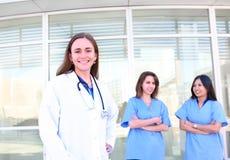 ιατρικές γυναίκες ομάδω&nu στοκ φωτογραφία με δικαίωμα ελεύθερης χρήσης