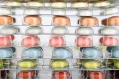 Ιατρικές ταμπλέτες στο κενό πλαστικό Στοκ Εικόνες