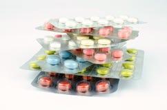 Ιατρικές ταμπλέτες στο κενό πλαστικό Στοκ Φωτογραφίες