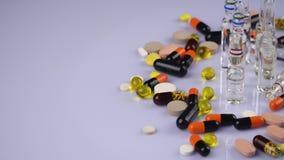Ιατρικές χάπια και κάψες απόθεμα βίντεο