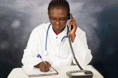 ιατρική γυναίκα γραφείων &ga στοκ φωτογραφία με δικαίωμα ελεύθερης χρήσης