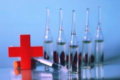 Ιατρική σύριγγα φιαλλιδίων Στοκ Φωτογραφίες